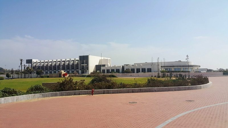 * agadir sofitel thalasso * Le dernier resort en date, construit en 2012. Architecte Jamal Lamiri Alaoui. Un style arabo-contemporain un peu bling.